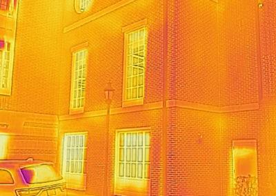 IR imaging of thermal bridging and air leakage